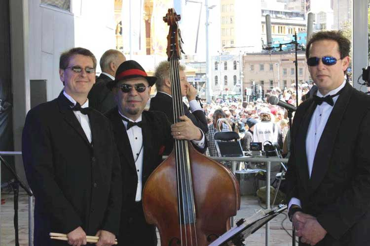 The-Gentlemens-Swing-Club014