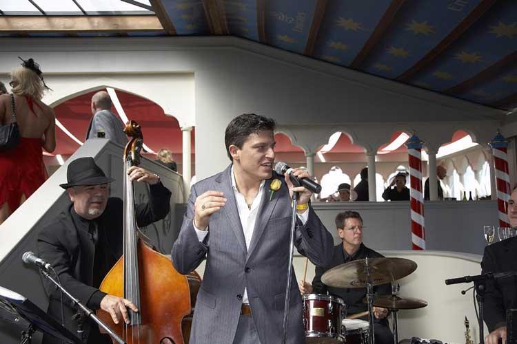 The-Gentlemens-Swing-Club018