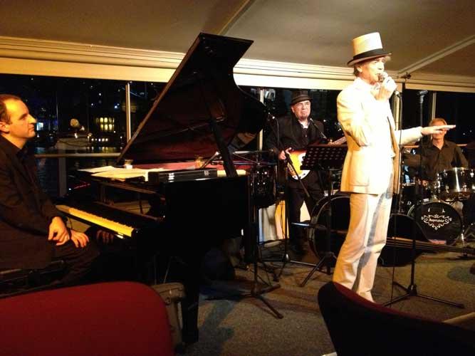 The-Gentlemens-Swing-Club034